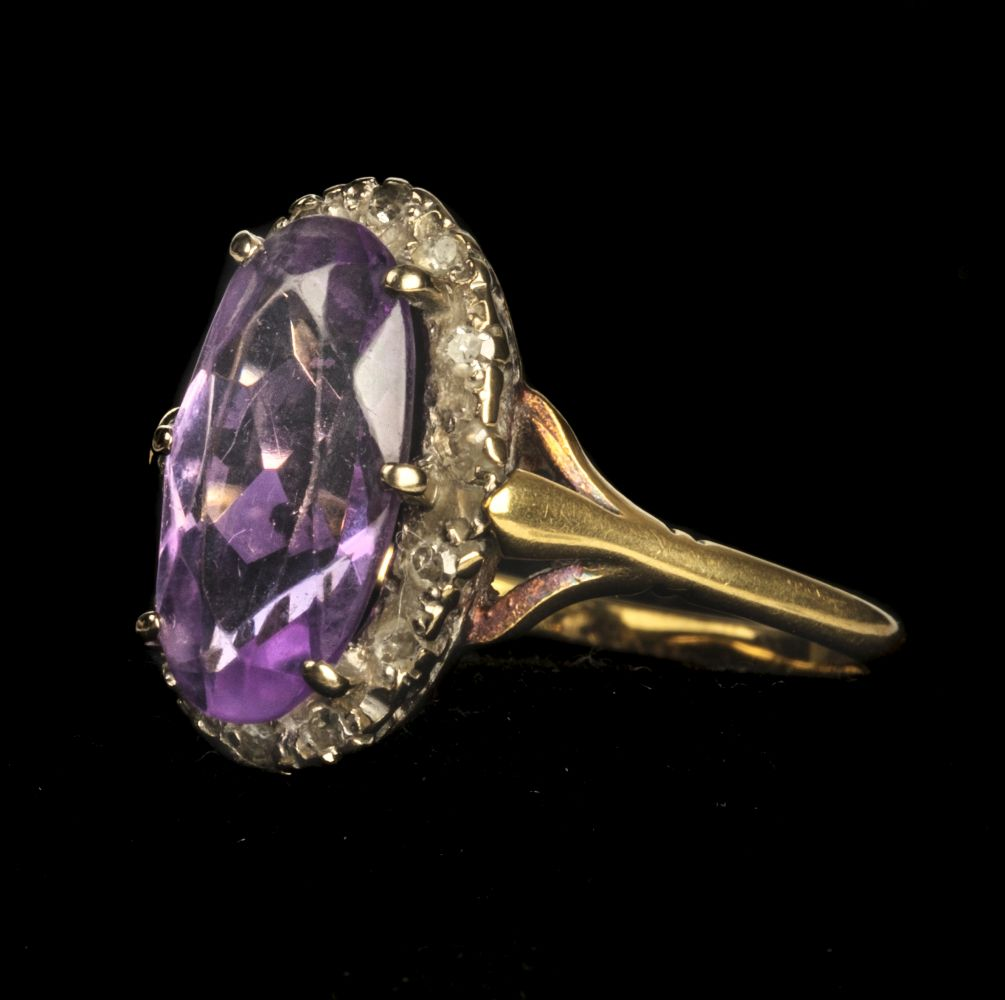 * Ring. 18ct gold amethyst and diamond ring