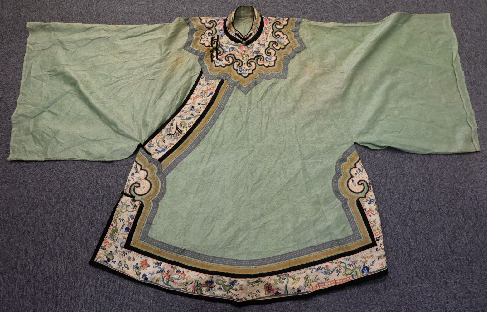 * Chinese. A late Qing Dynasty silk robe, 19th century, - Image 2 of 3