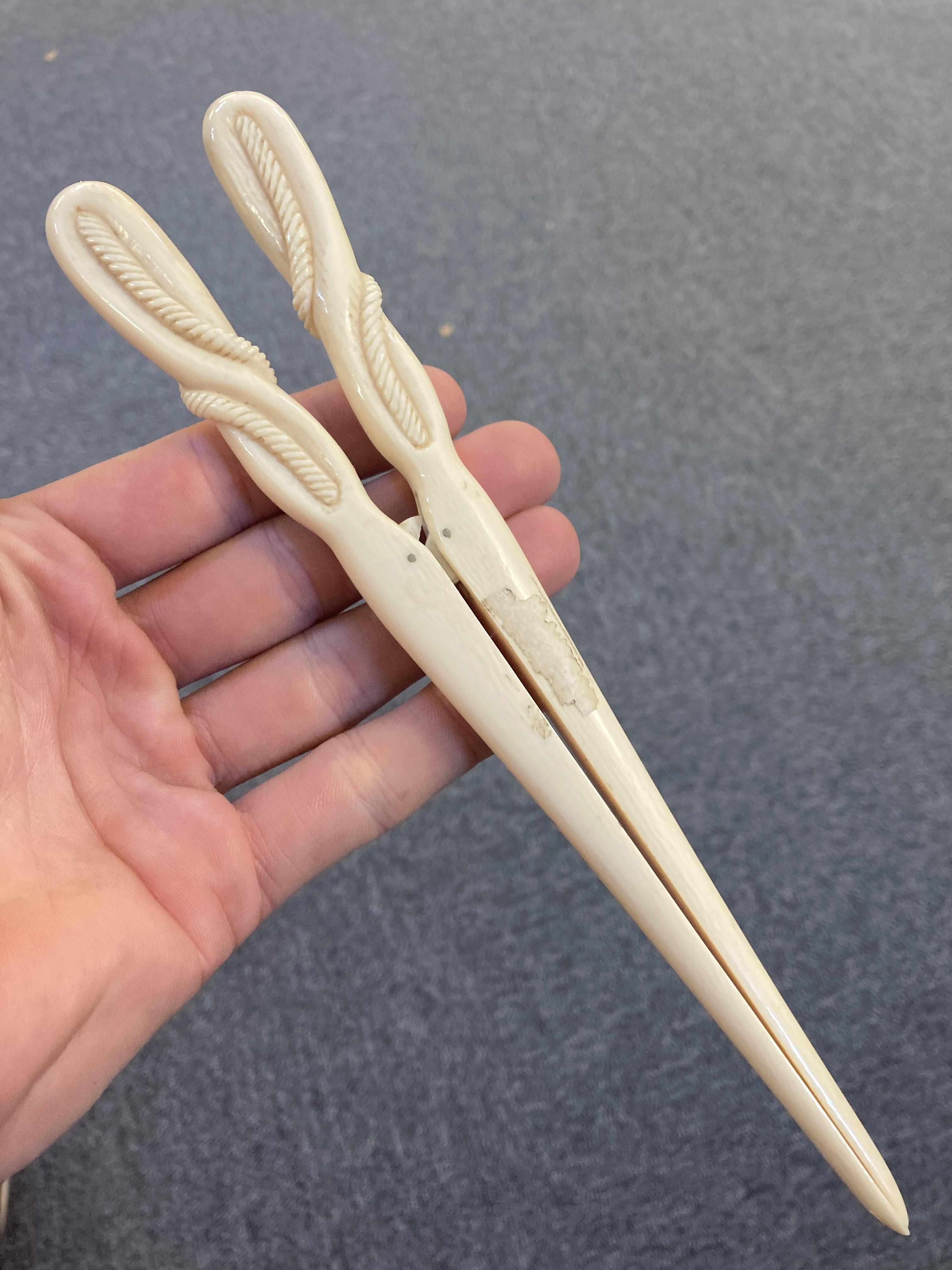* Glove Stretchers, Victorian ivory glove stretchers - Image 5 of 10