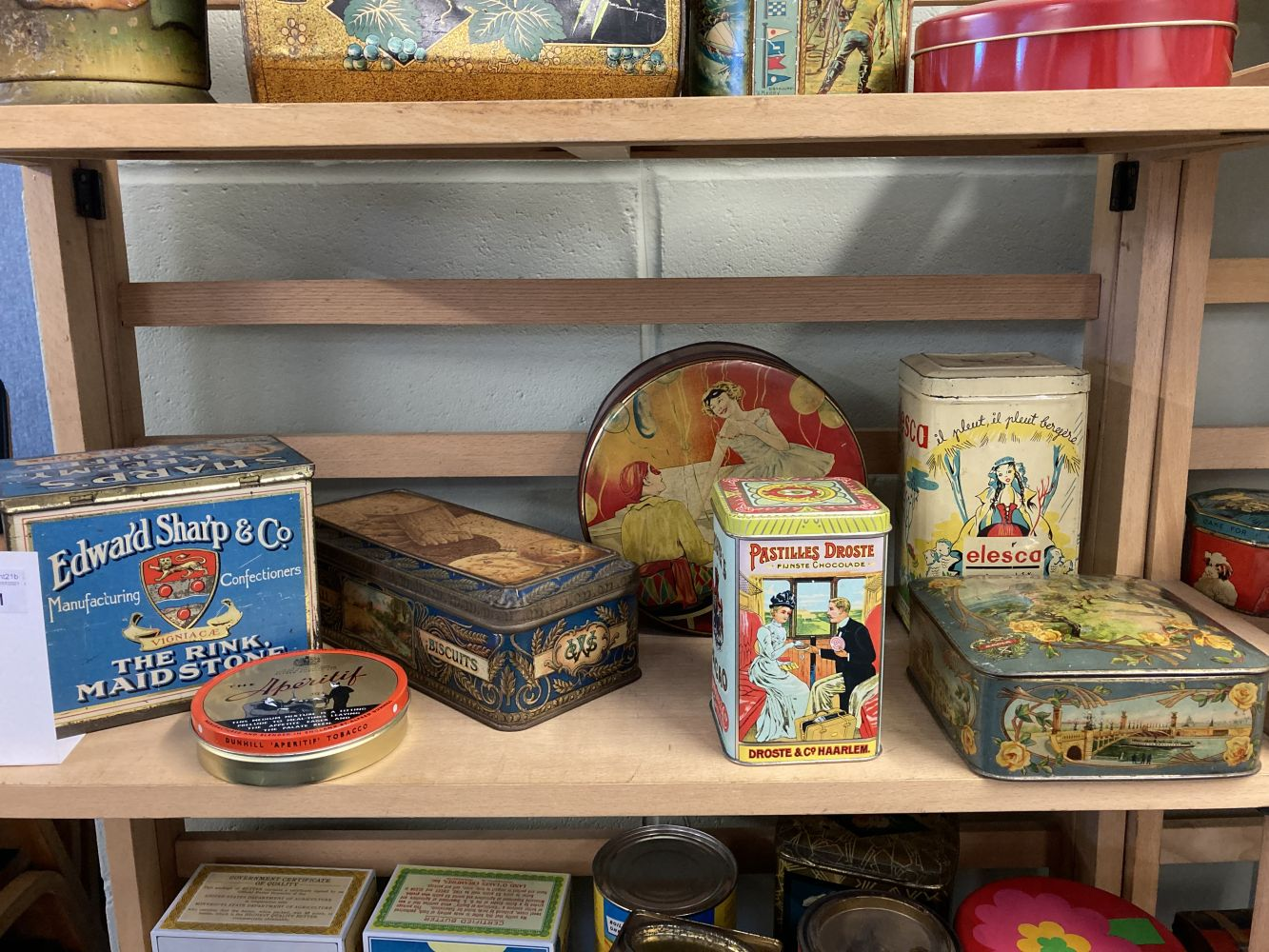 * Advertising Tins. Huntley & Palmers and others - Image 4 of 13