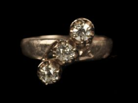 * Ring. Rose gold and 3-stone diamond ring