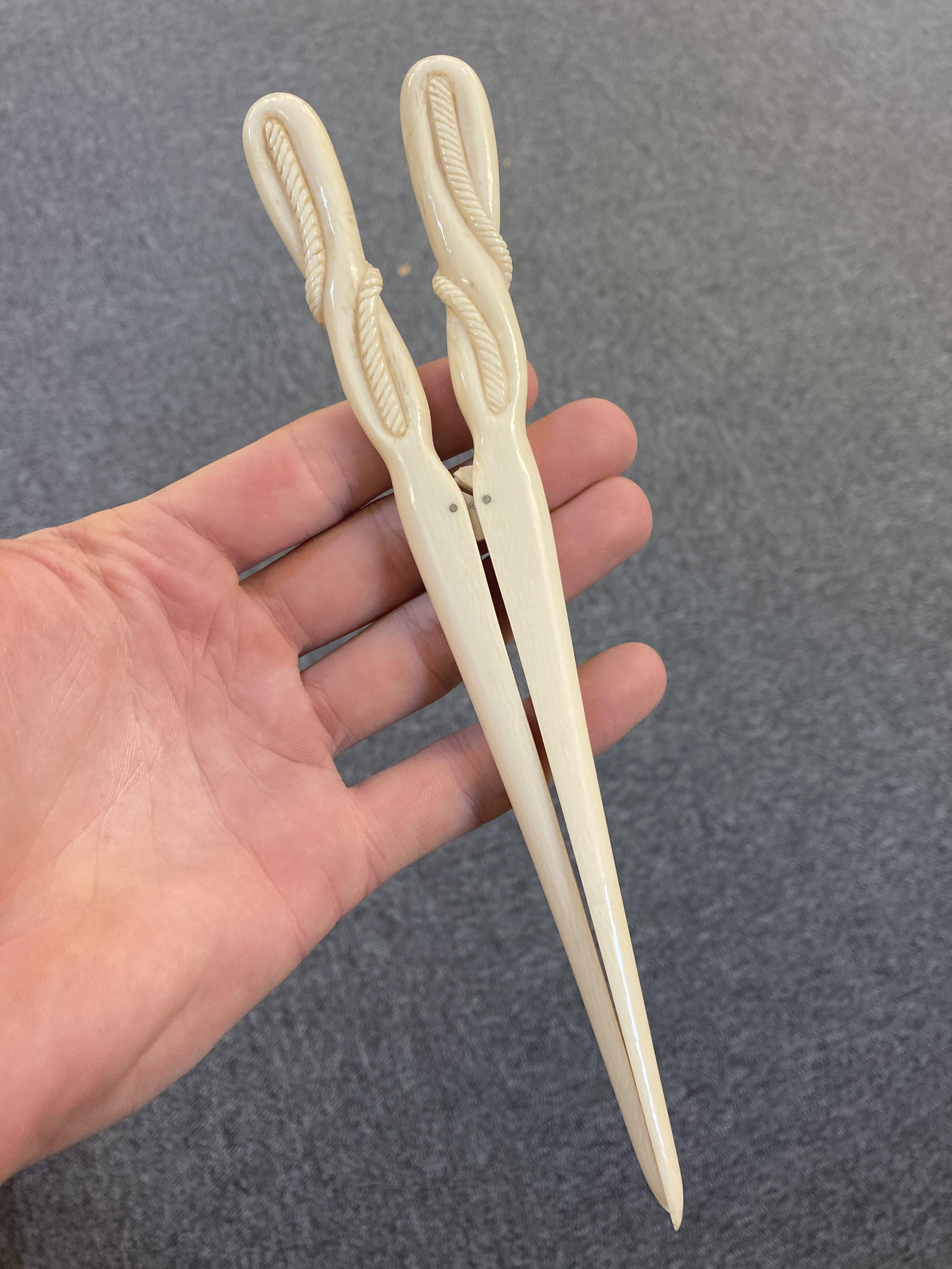 * Glove Stretchers, Victorian ivory glove stretchers - Image 2 of 10