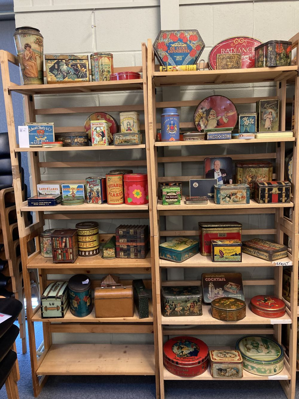 * Advertising Tins. Huntley & Palmers and others - Image 2 of 13