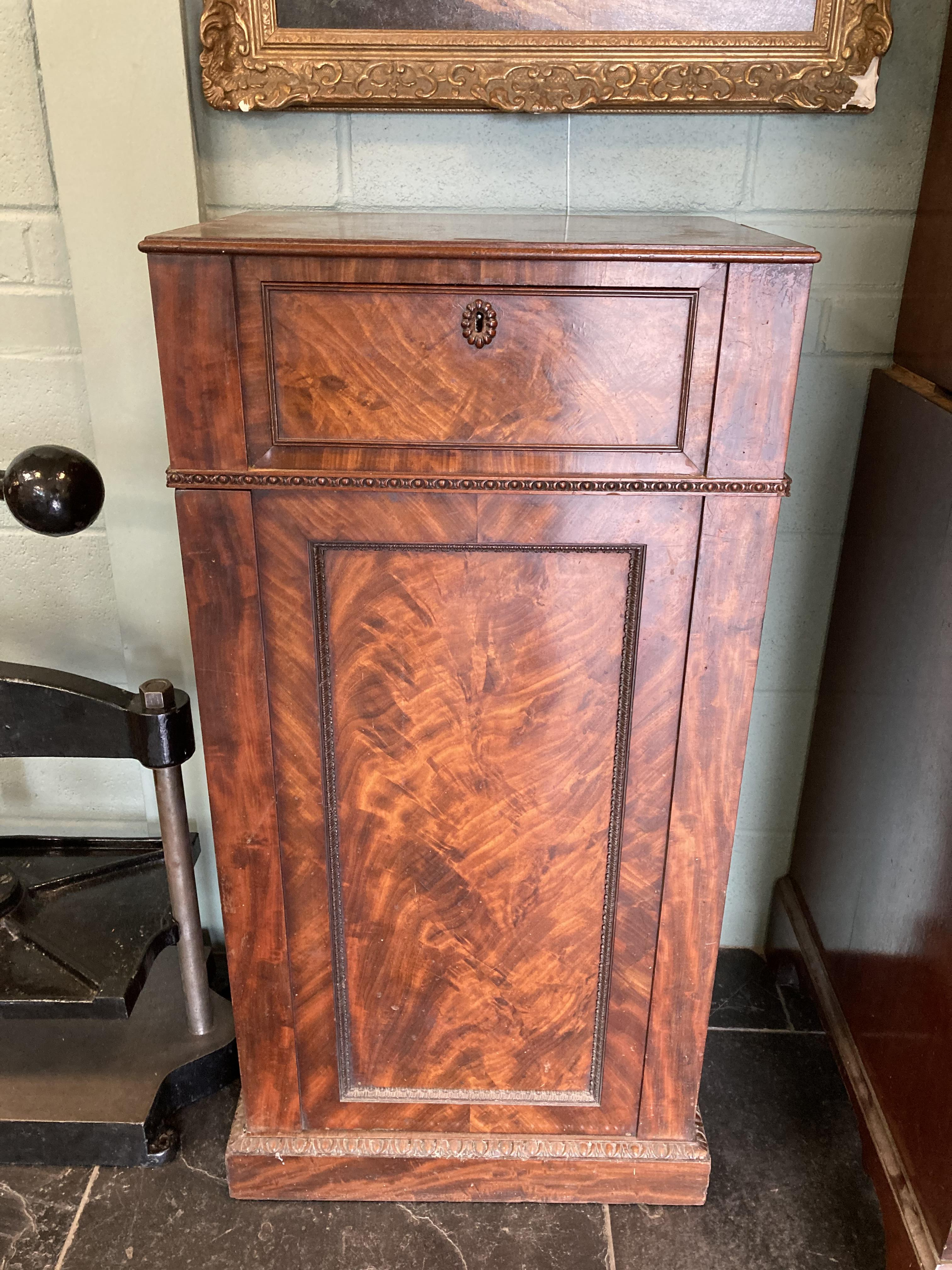 * Cabinets. Pair of William IV pedestal cabinets - Image 2 of 17