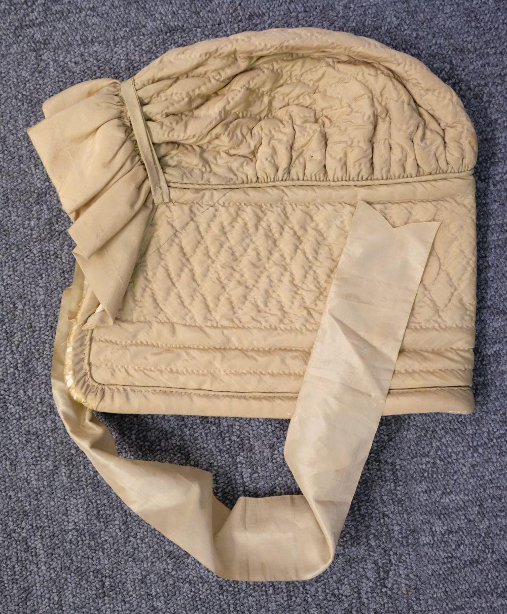 * Shawl. A woven silk satin and gauze shawl, circa 1810-1820 - Image 2 of 7