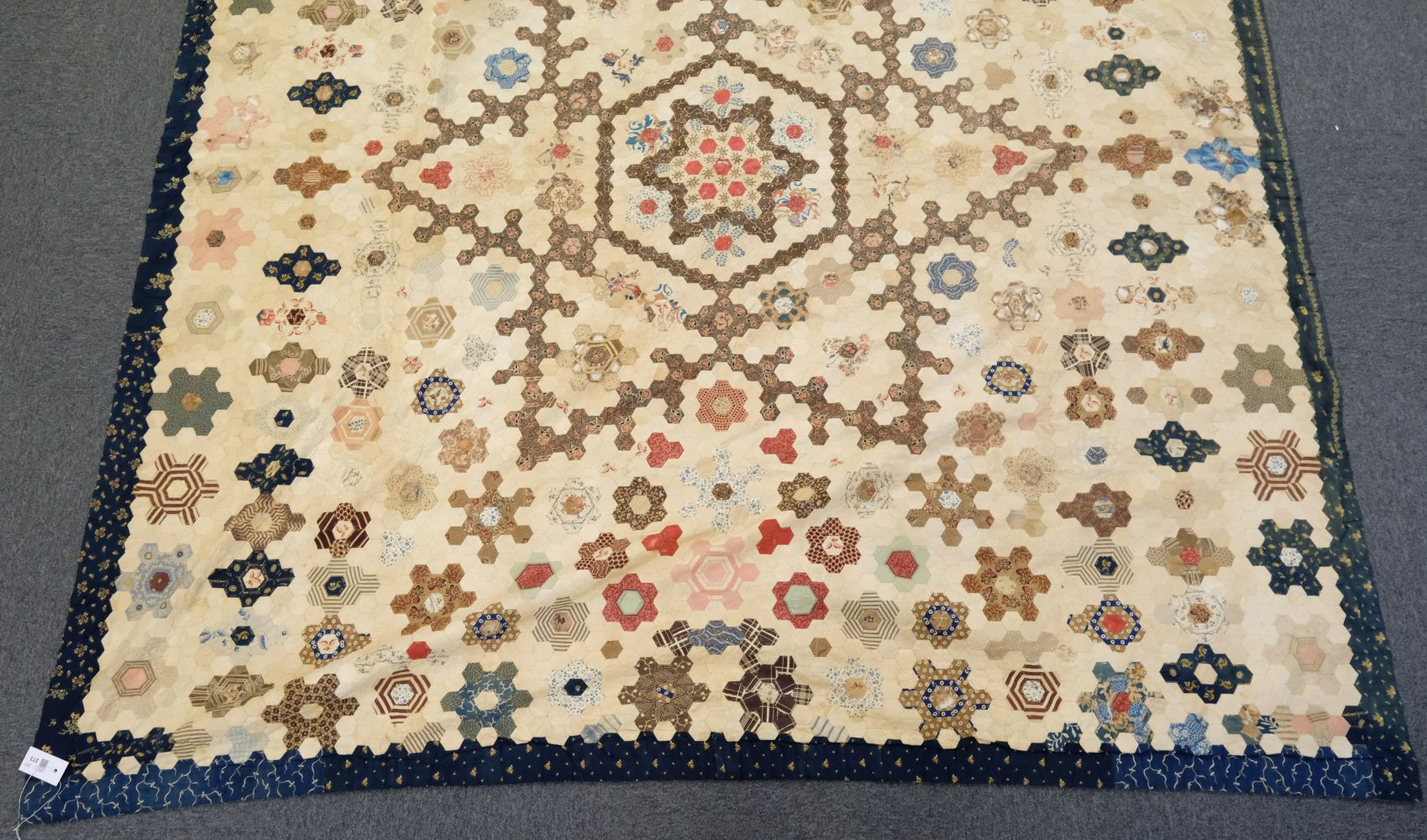 * Quilt. A Victorian patchwork hexagon quilt, English - Image 2 of 4