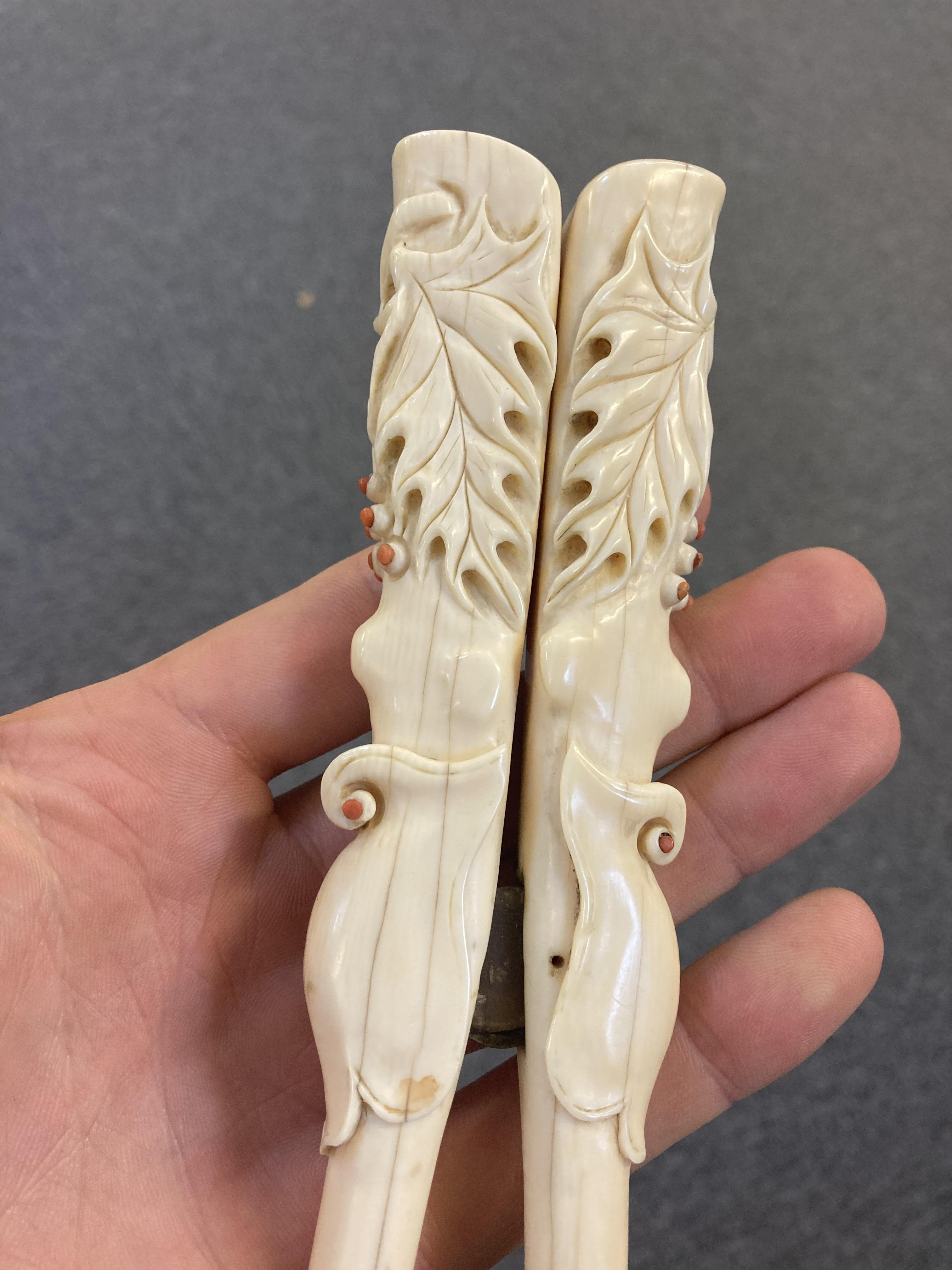 * Glove Stretchers, Victorian ivory glove stretchers - Image 9 of 10