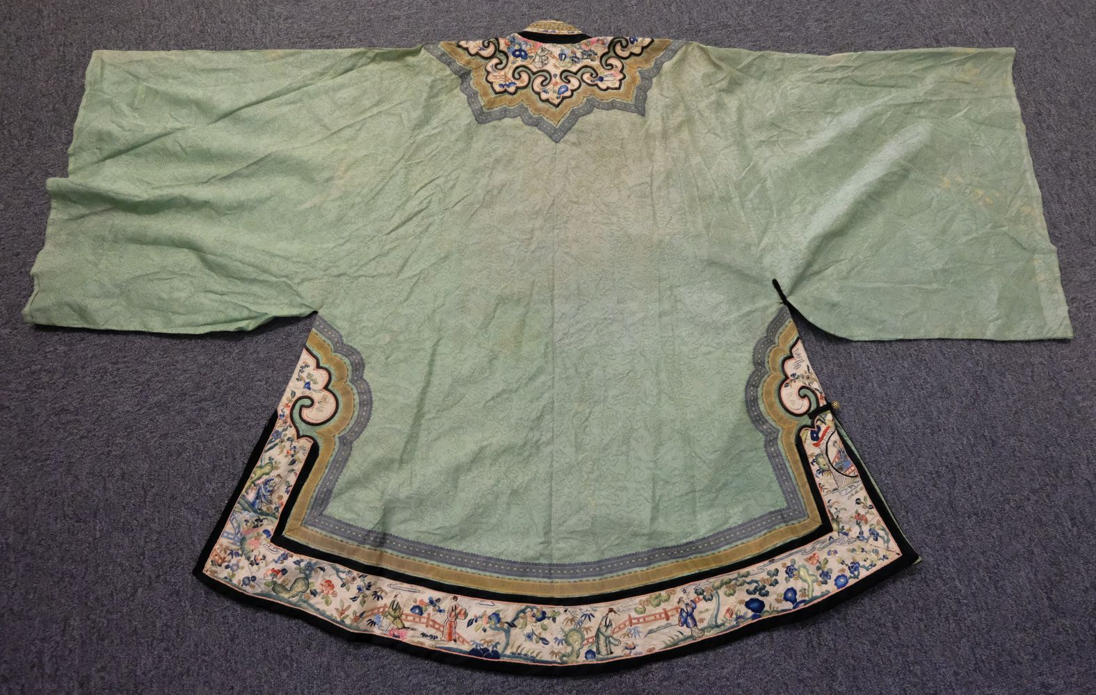 * Chinese. A late Qing Dynasty silk robe, 19th century, - Image 3 of 3