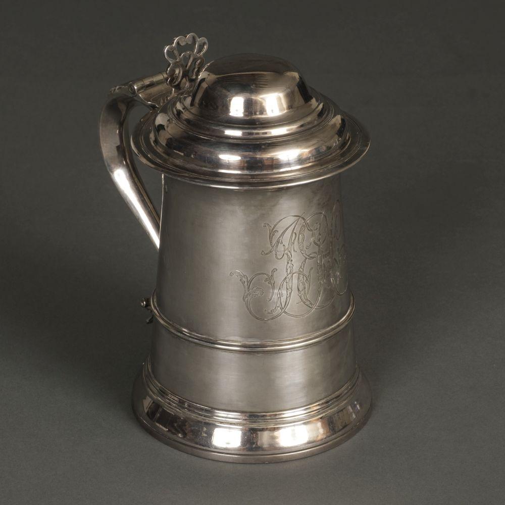 * Tankard. A George III silver tankard by John Swift, London 1773