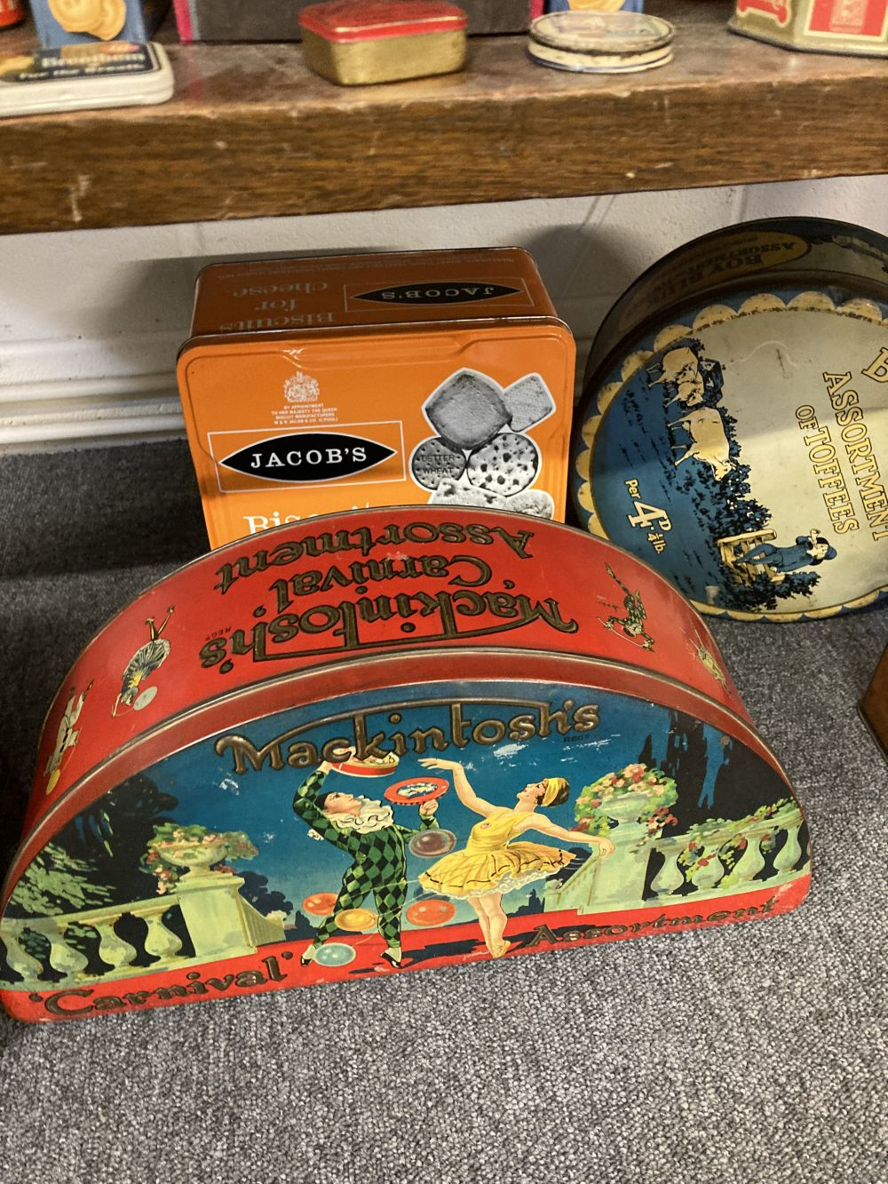 * Advertising Tins. A large collection of tins - Image 11 of 17