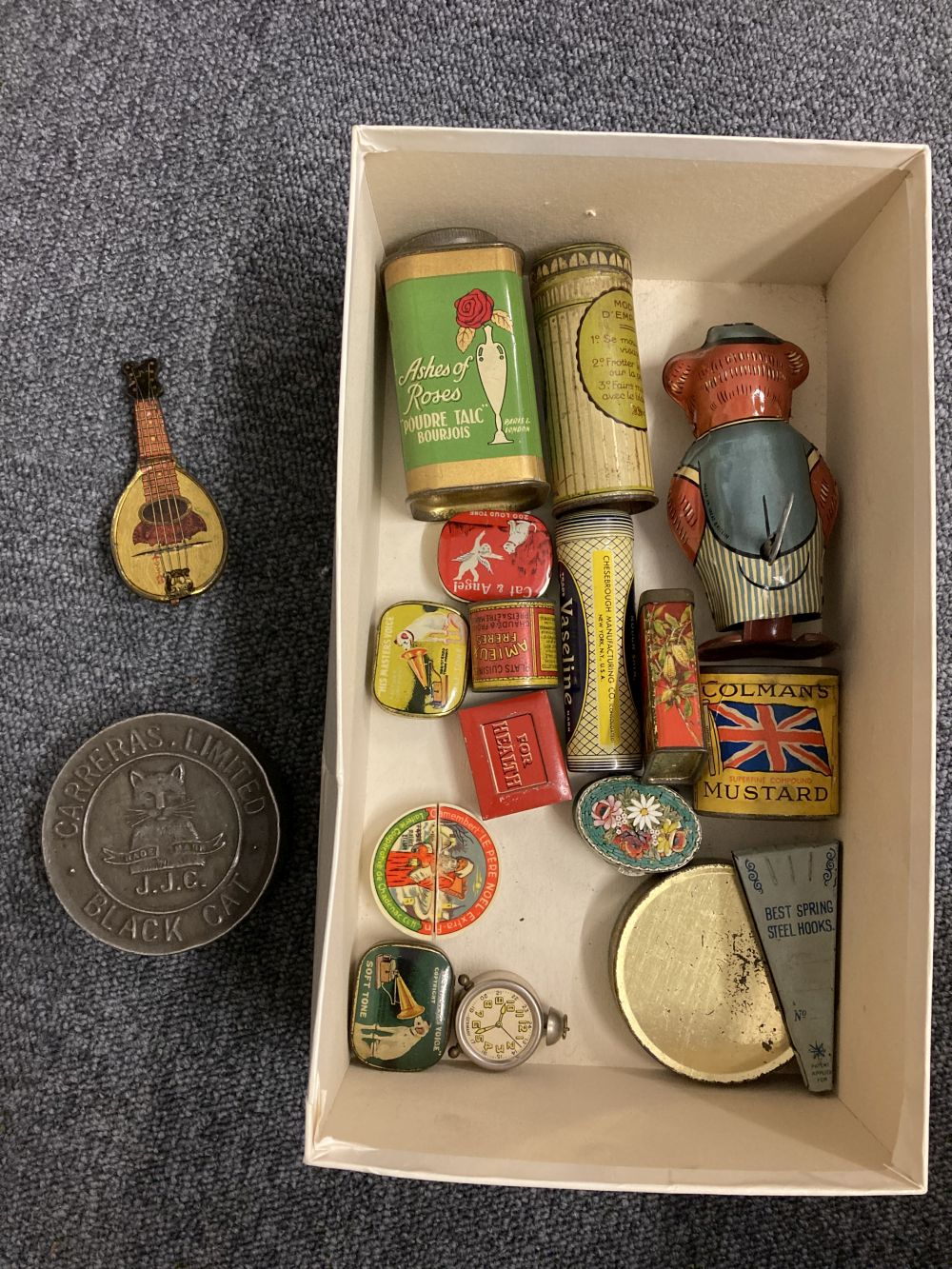 * Advertising Tins. A large collection of tins - Image 13 of 17