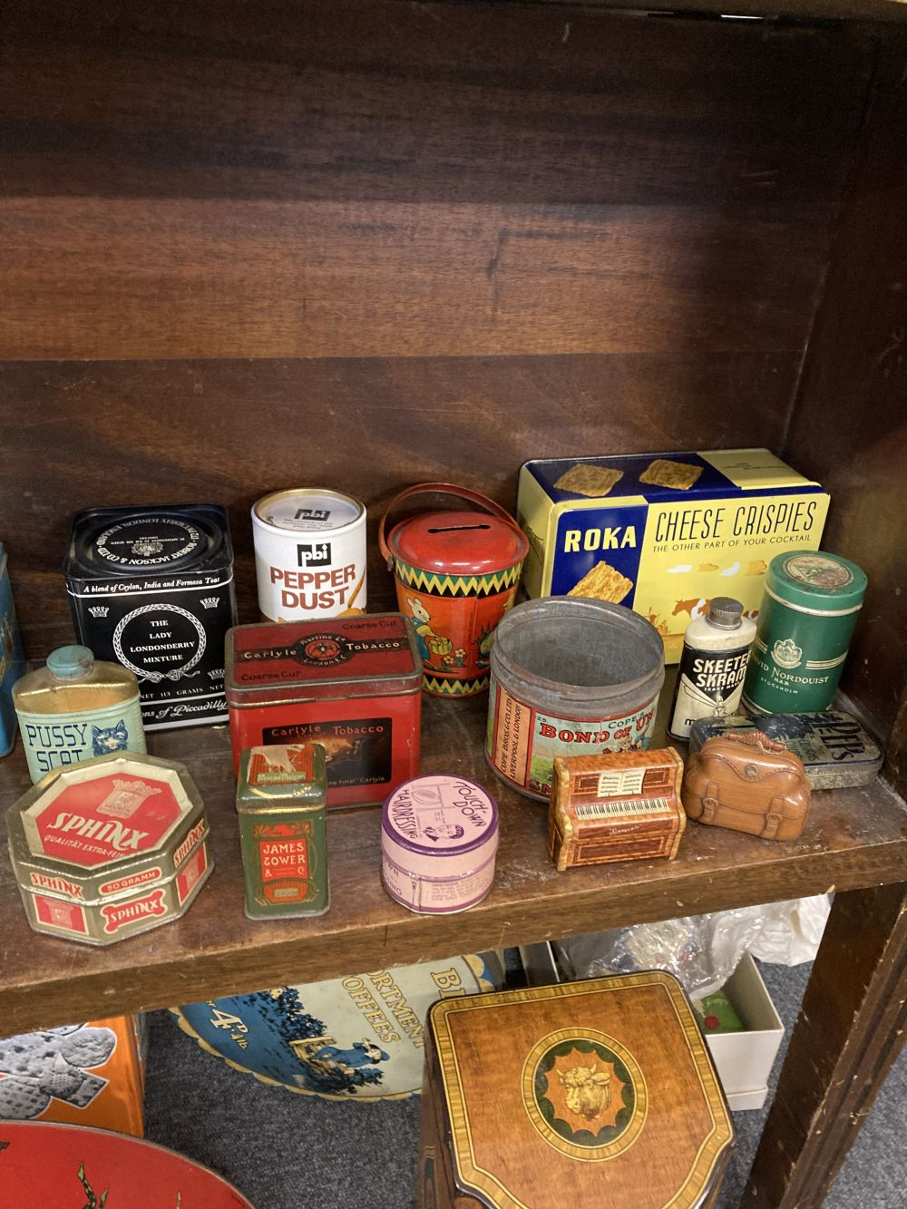* Advertising Tins. A large collection of tins - Image 9 of 17