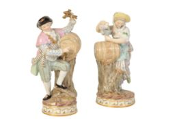 A PAIR OF DRESDEN PORCELAIN FIGURES ENTITLED 'FOLL HOCH', -FULL UP,