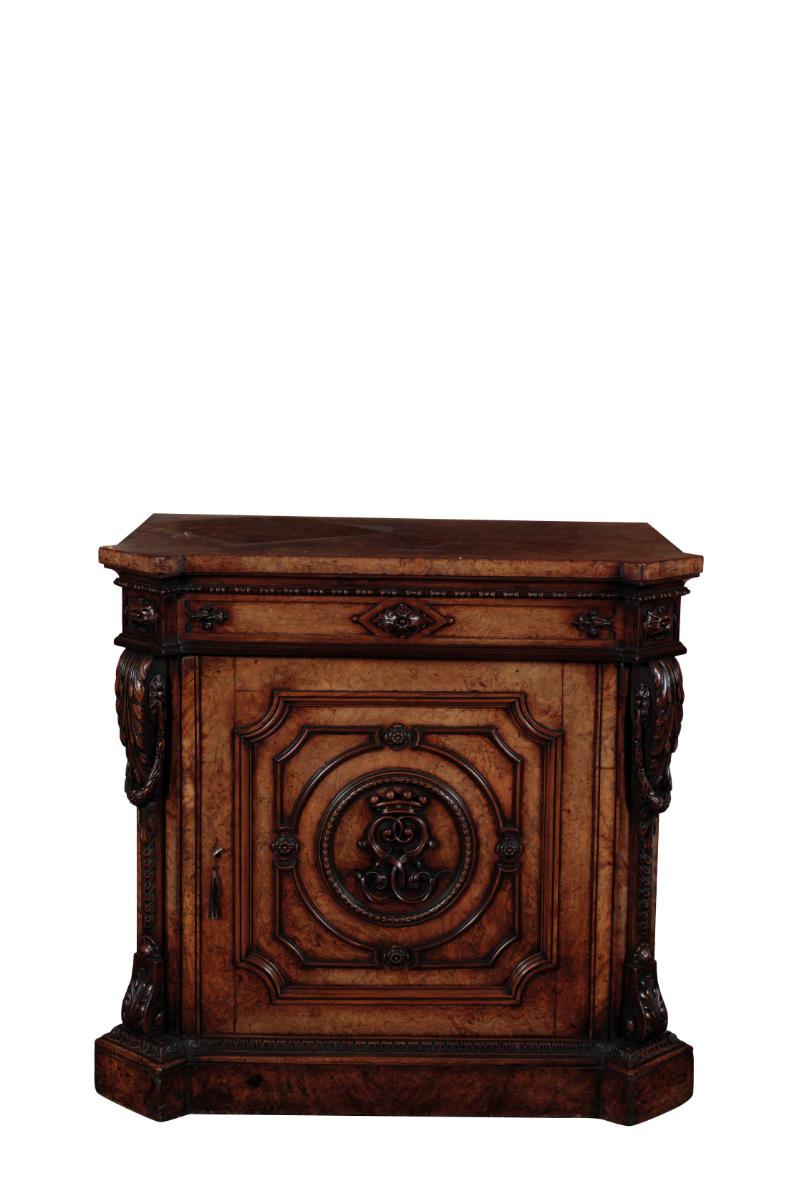 A FINE GEORGE IV POLLARD OAK PEDESTAL CABINET, POSSIBLY BY GILLOWS,