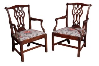 A PAIR OF FINE GEORGE III MAHOGANY ELBOW CHAIRS, ATTRIBUTABLE TO GILLOWS,