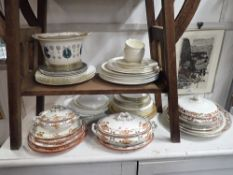 A COLLECTION OF DINNERWARES, INLUDING ROYAL DOULTON, ROYAL CROWN DERBY