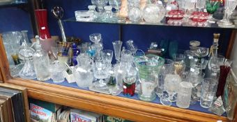 A COLLECTION OF GLASSWARE