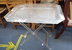 A VINTAGE 1960s PERSPEX BUTLER'S TRAY