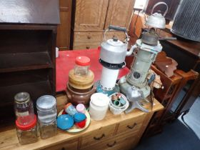 A COLLECTION OF VINTAGE HEATERS AND KITCHENALIA