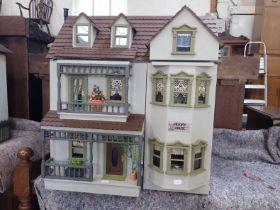 A MODERN DOLLS HOUSE