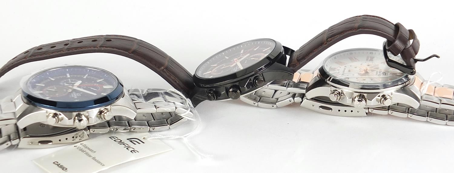 Casio Edifice, three gentlemen's wristwatches with boxes numbered 76E2AU, 776KM0 and 881CK2 :For - Image 7 of 8