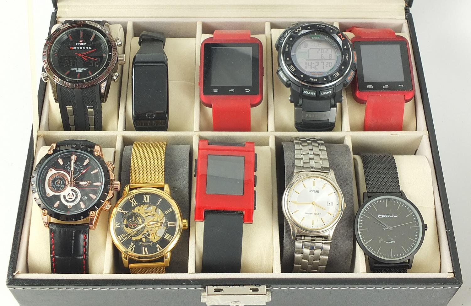 Twenty vintage and later gentlemen's wristwatches housed in two display cases, including Sekonda, - Image 2 of 5
