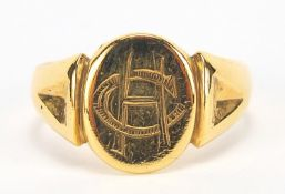 9ct gold signet ring, size T, 4.8g : For Further Condition Reports Please Visit Our Website -