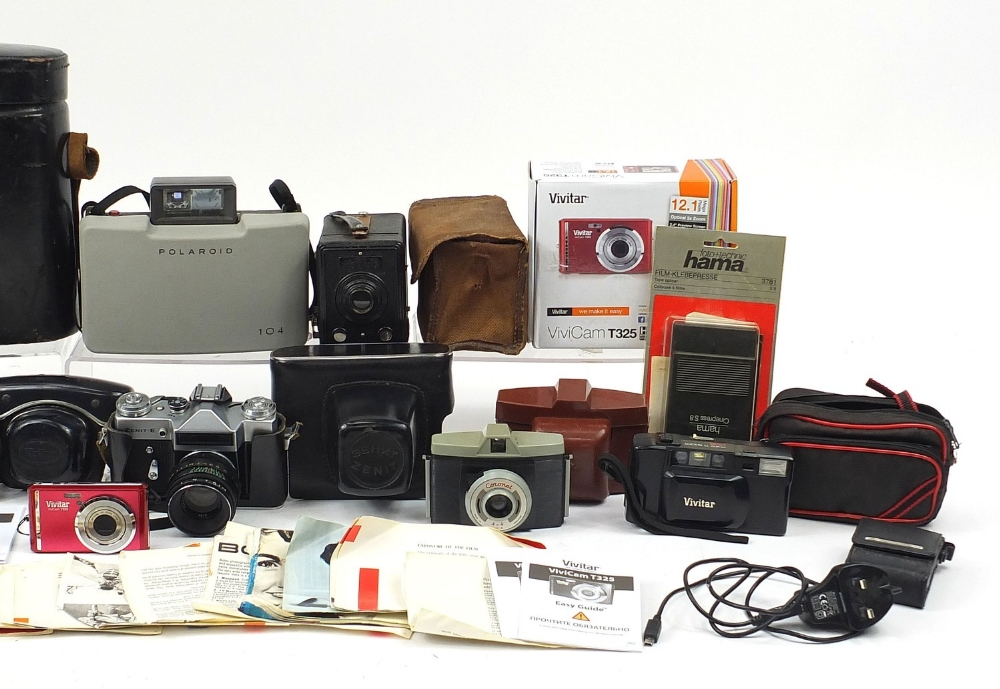 Vintage and later cameras and accessories including Halina, Polaroid, Bolex P4, Kodak and two - Image 3 of 5