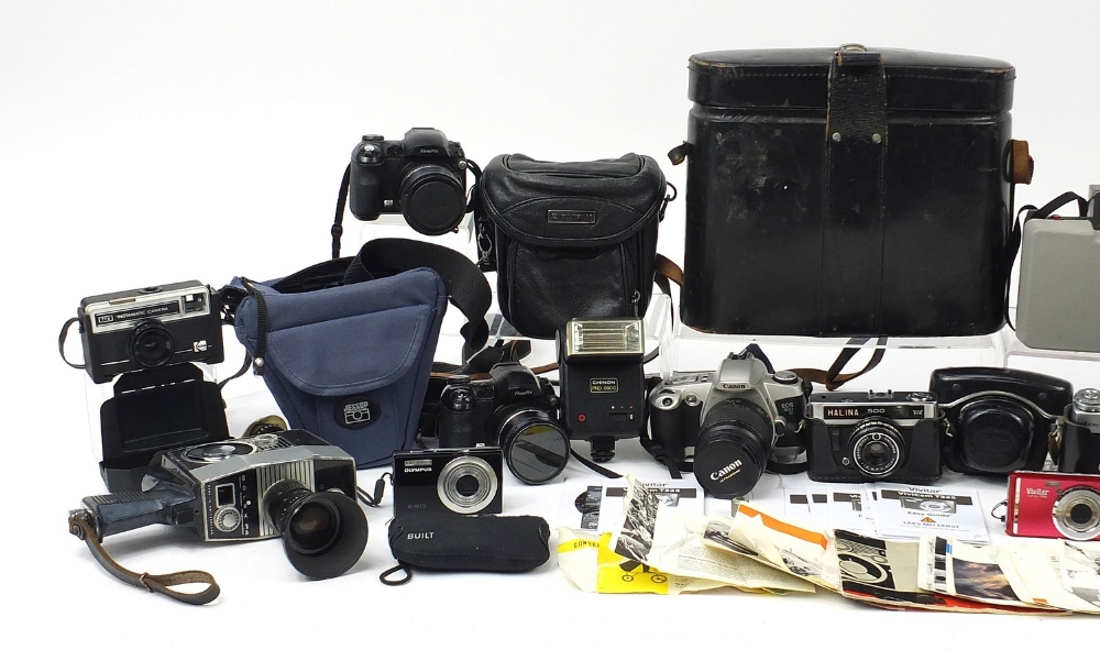 Vintage and later cameras and accessories including Halina, Polaroid, Bolex P4, Kodak and two - Image 2 of 5