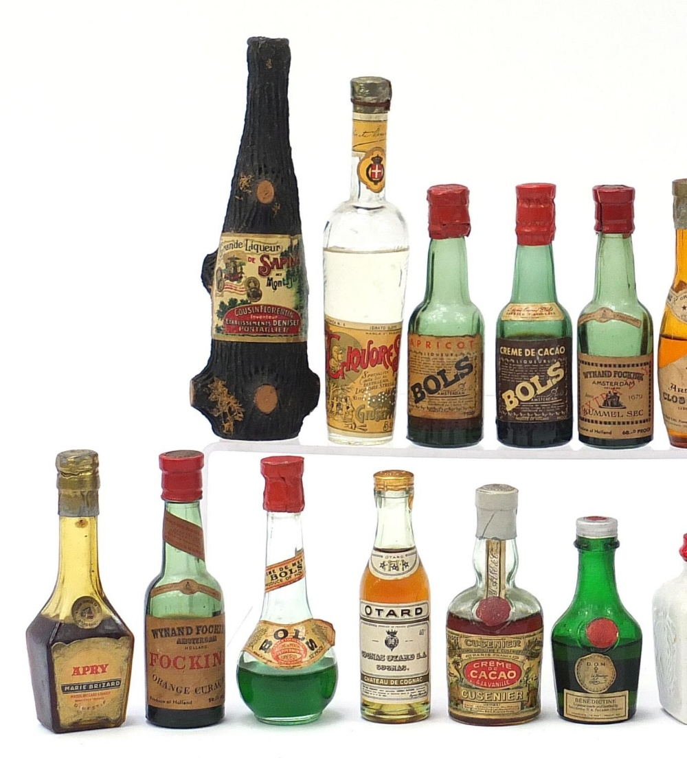 Alcohol miniatures including Martell, Bols and Courvoisier Cognac : For Further Condition Reports - Image 2 of 7