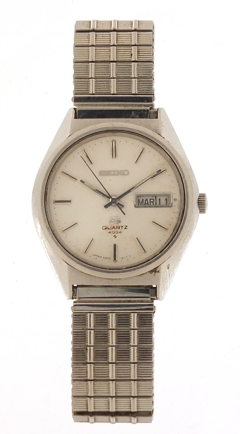 Seiko, vintage gentlemen's quartz wristwatch with day date aperture, numbered 6D0265, 35mm in - Image 2 of 6