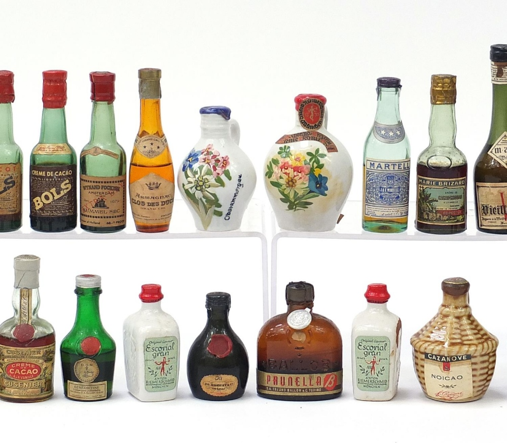Alcohol miniatures including Martell, Bols and Courvoisier Cognac : For Further Condition Reports - Image 3 of 7