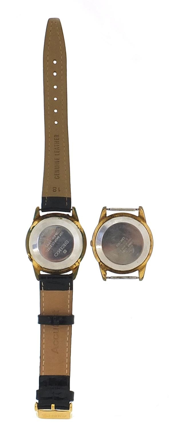 Seiko, two vintage gentlemen's automatic wristwatches with date aperture, each 36mm in diameter : - Image 3 of 6