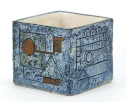 Troika St Ives Pottery marmalade pot hand painted and incised with an abstract design, 8cm high x