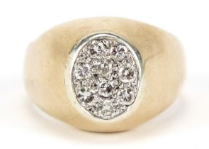 Heavy 18ct gold diamond cluster ring, the diamonds each approximately 2mm in diameter, size U/V,