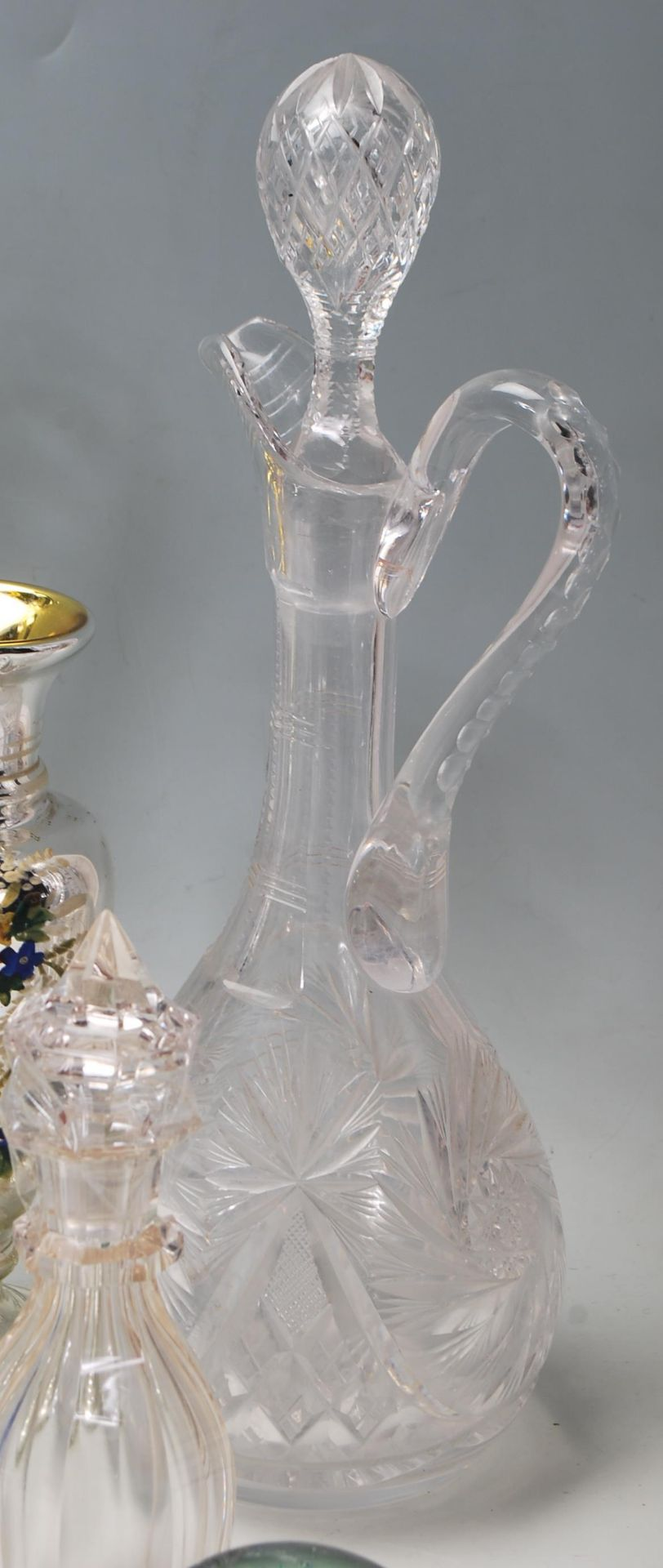 LARGE COLELCTION OF 10TH CENTURY AND LATER CRYSTAL GLASS - Image 2 of 10