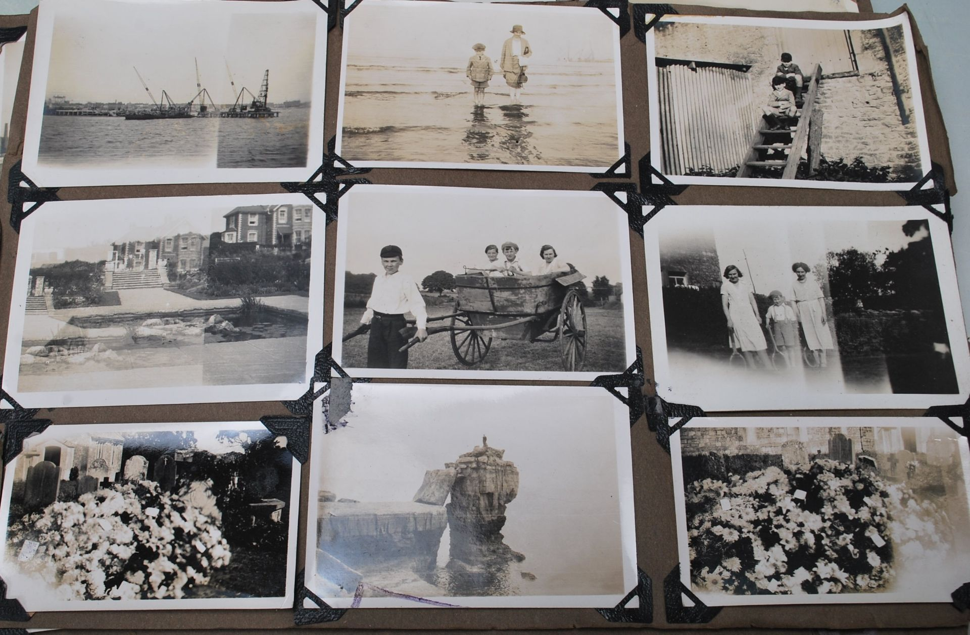 EARLY 20TH CENTURY BLACK AND WHITE PHOTO ALBUM - Image 7 of 14