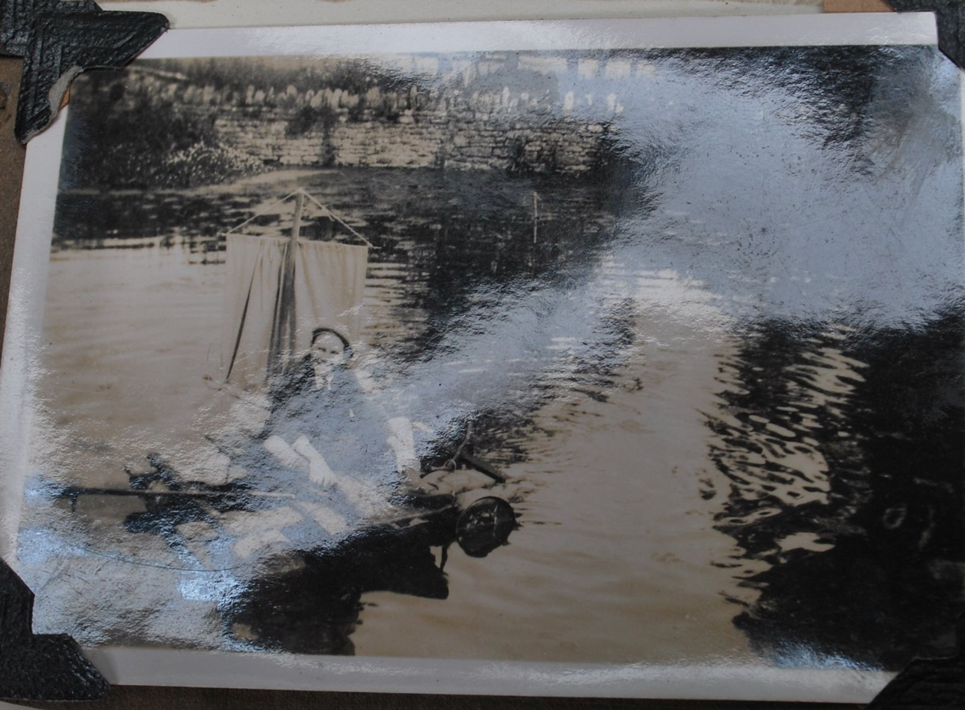 EARLY 20TH CENTURY BLACK AND WHITE PHOTO ALBUM - Image 9 of 14