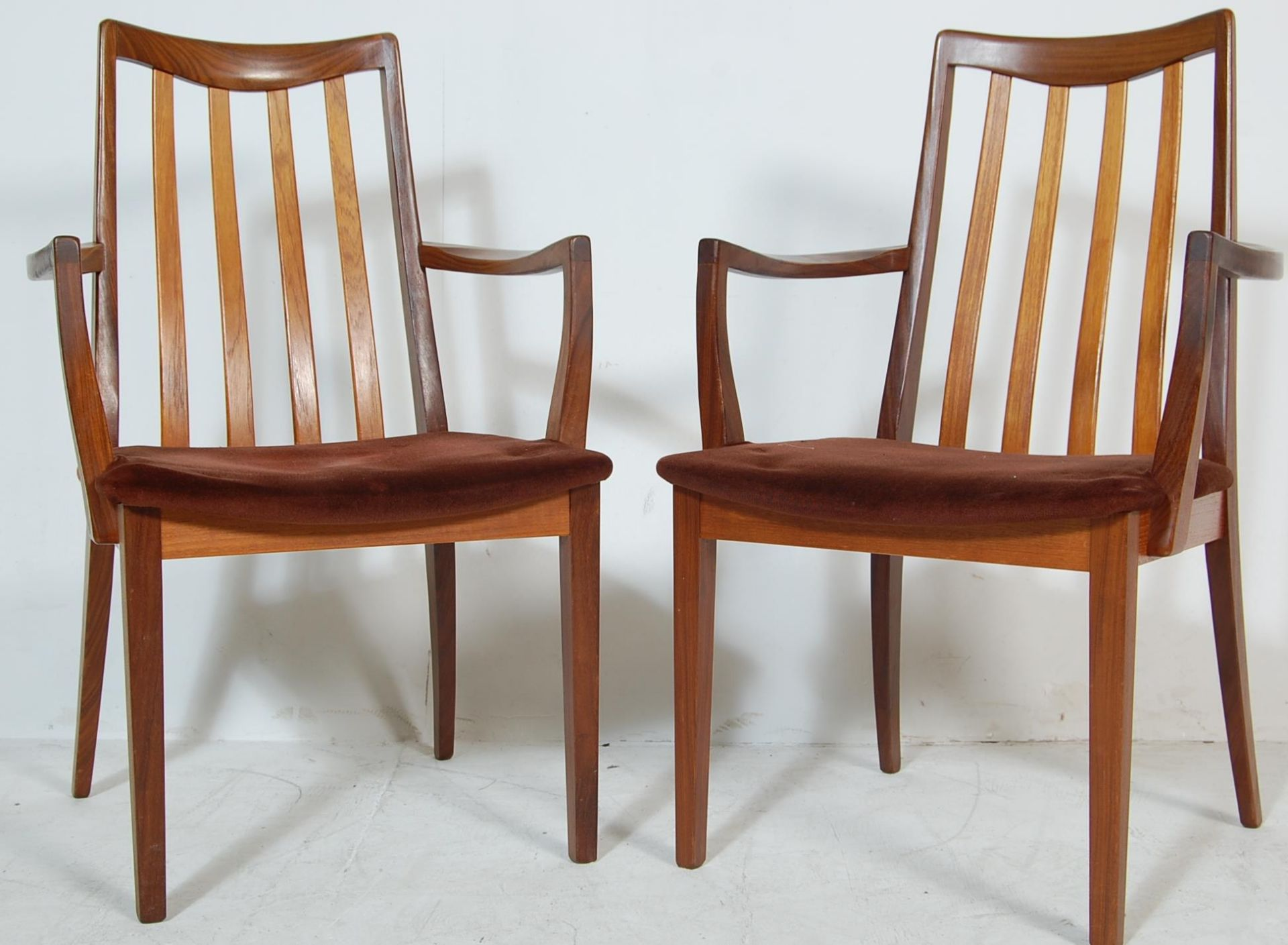 RETRO VINTAGE 1970S GPLAN DINING TABLE AND CHAIRS - Image 8 of 12