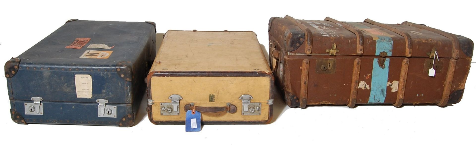 COLLECTION OF THREE EARLY 20TH CENTURY STEAMER TRUNKS