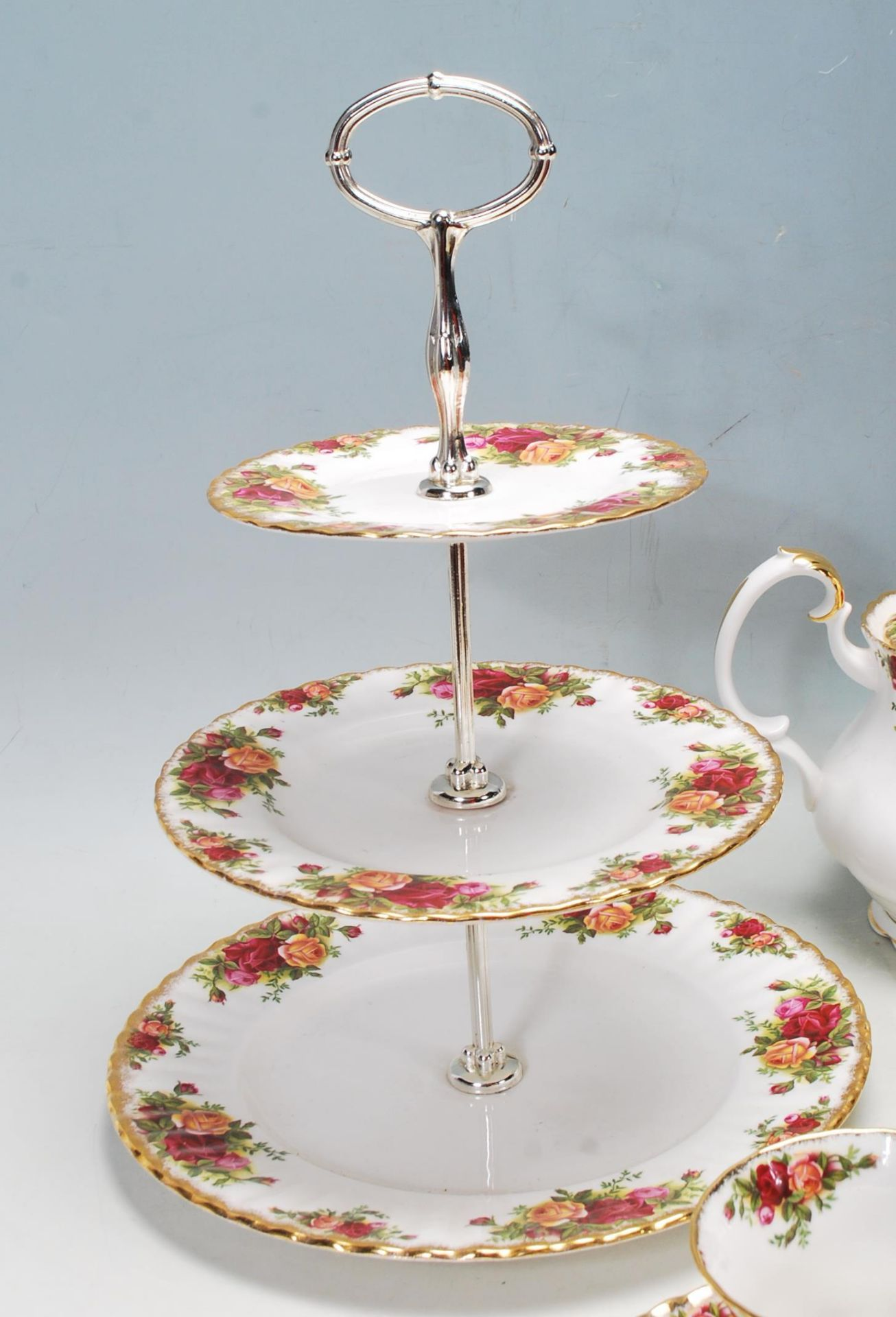 ROYAL ALBERT OLD COUNTRY ROSES TEA SET -TEA SERVICE - Image 4 of 8