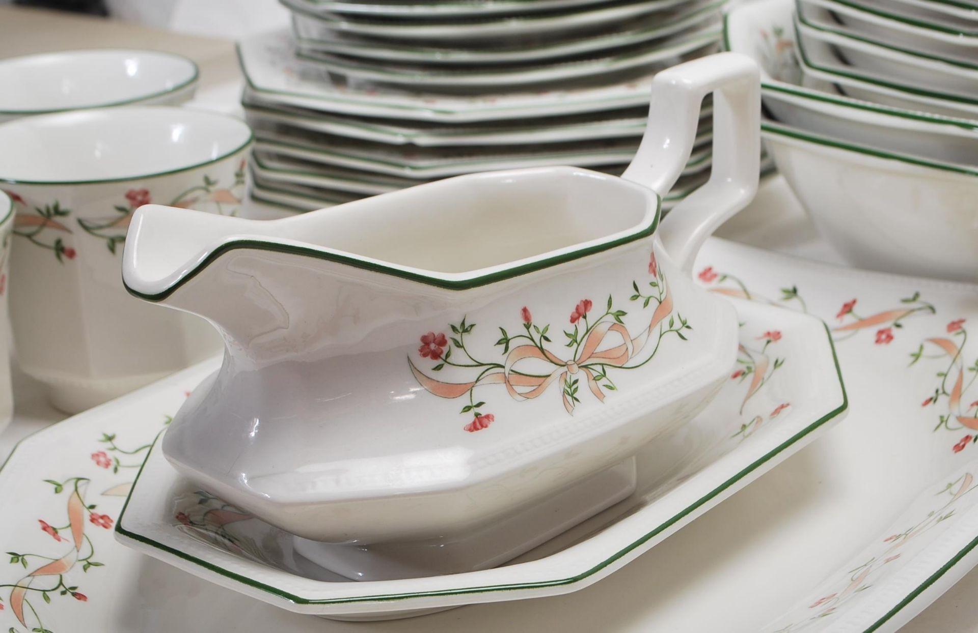 LAARGE DINNER SERVICE BY JOHNSON BROS ETERNAL BEAU - Image 12 of 19