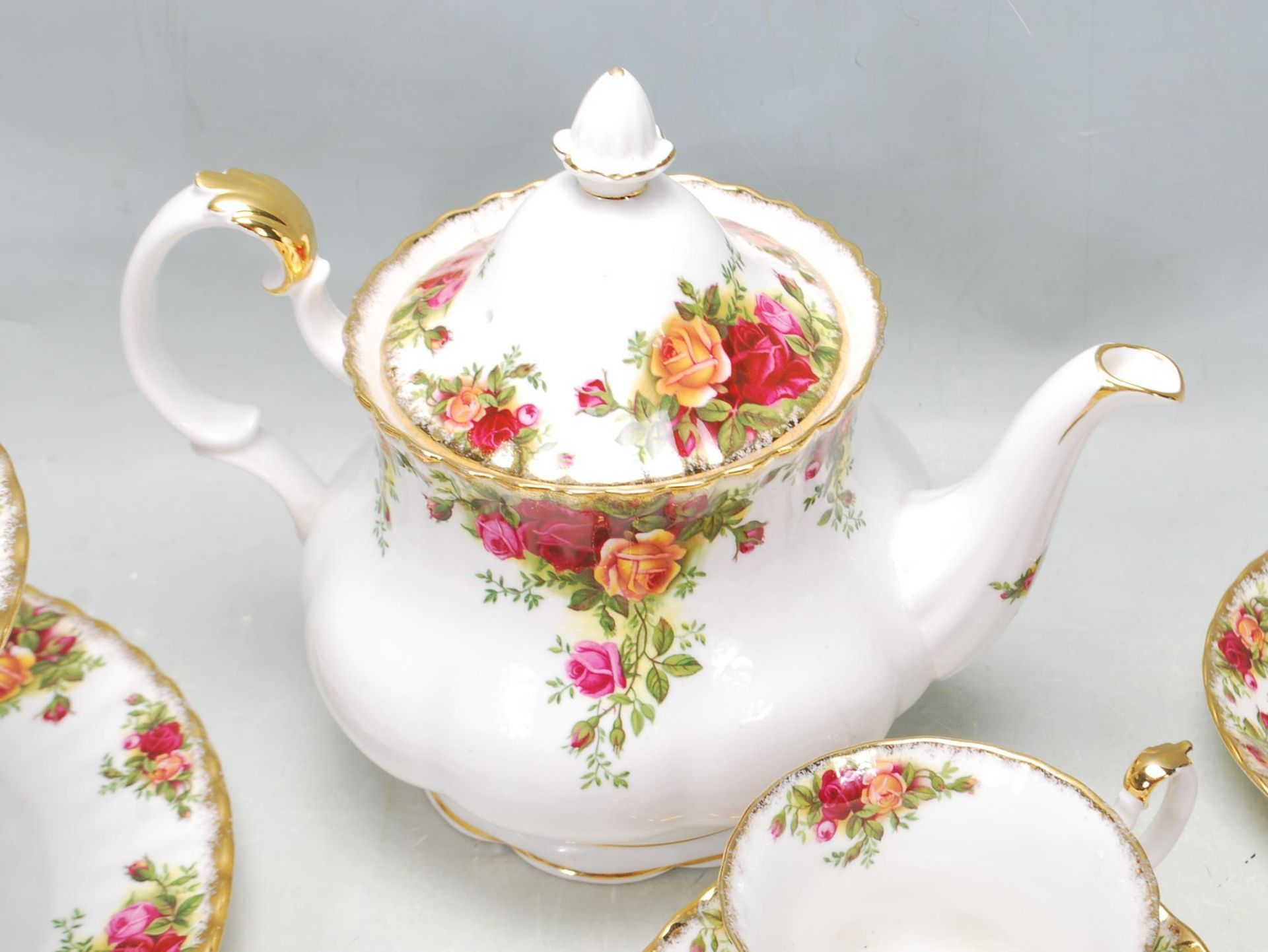ROYAL ALBERT OLD COUNTRY ROSES TEA SET -TEA SERVICE - Image 7 of 8