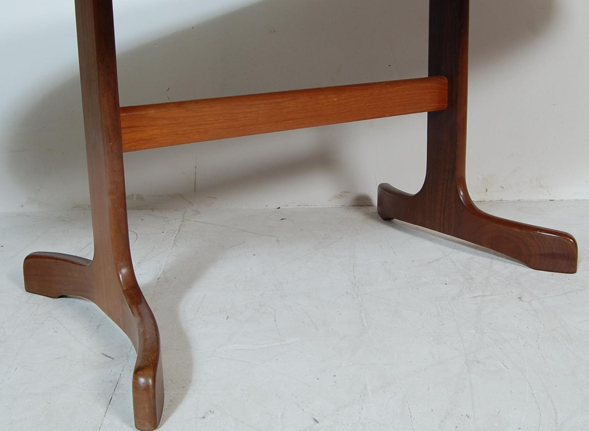 RETRO VINTAGE 1970S GPLAN DINING TABLE AND CHAIRS - Image 7 of 12