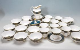 COLLECTION OF LATE 20TH CENTORUY ROYAL DOULTON FINE BONE CHINA DINNER SERVICE