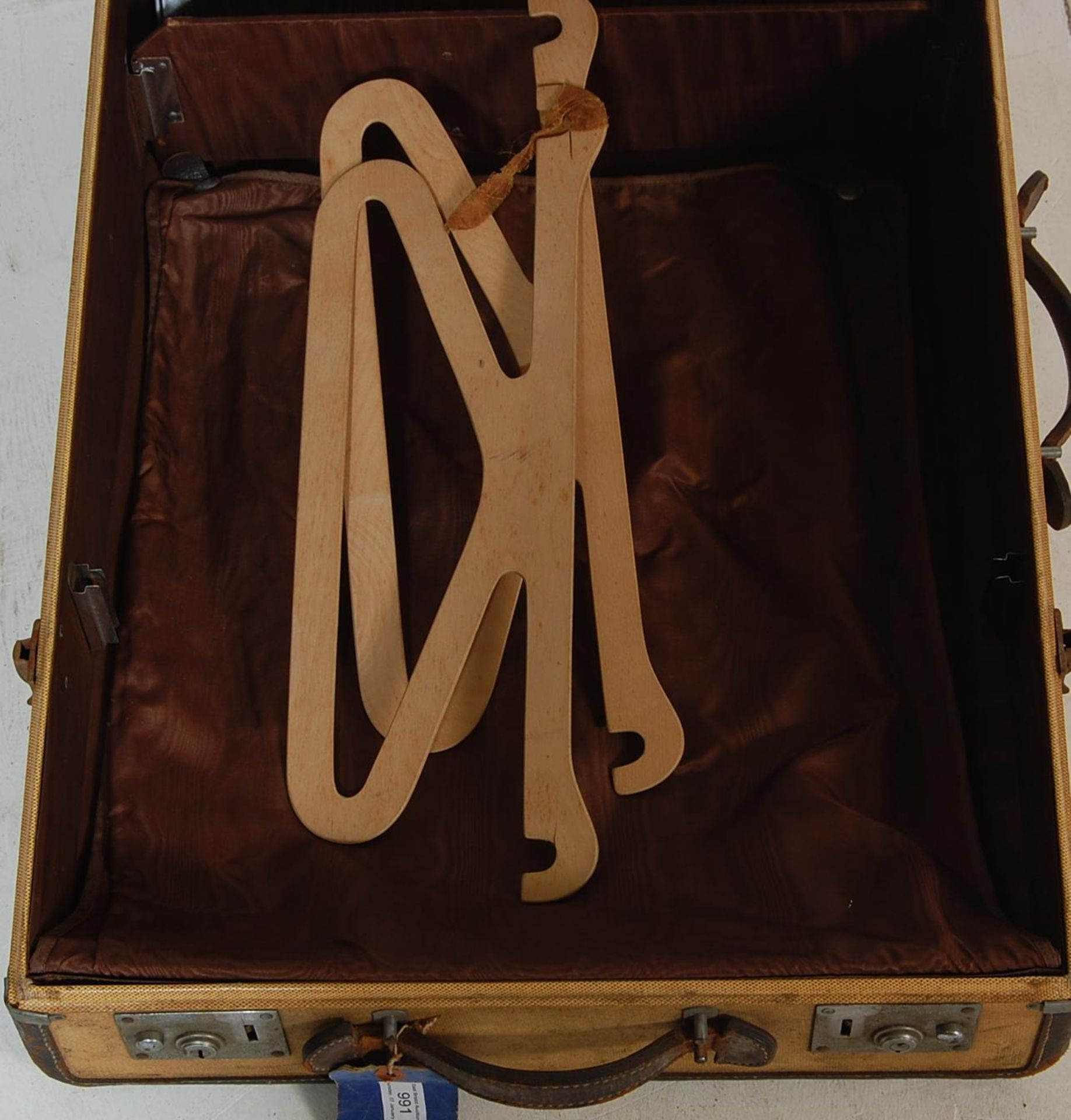 COLLECTION OF THREE EARLY 20TH CENTURY STEAMER TRUNKS - Image 5 of 12
