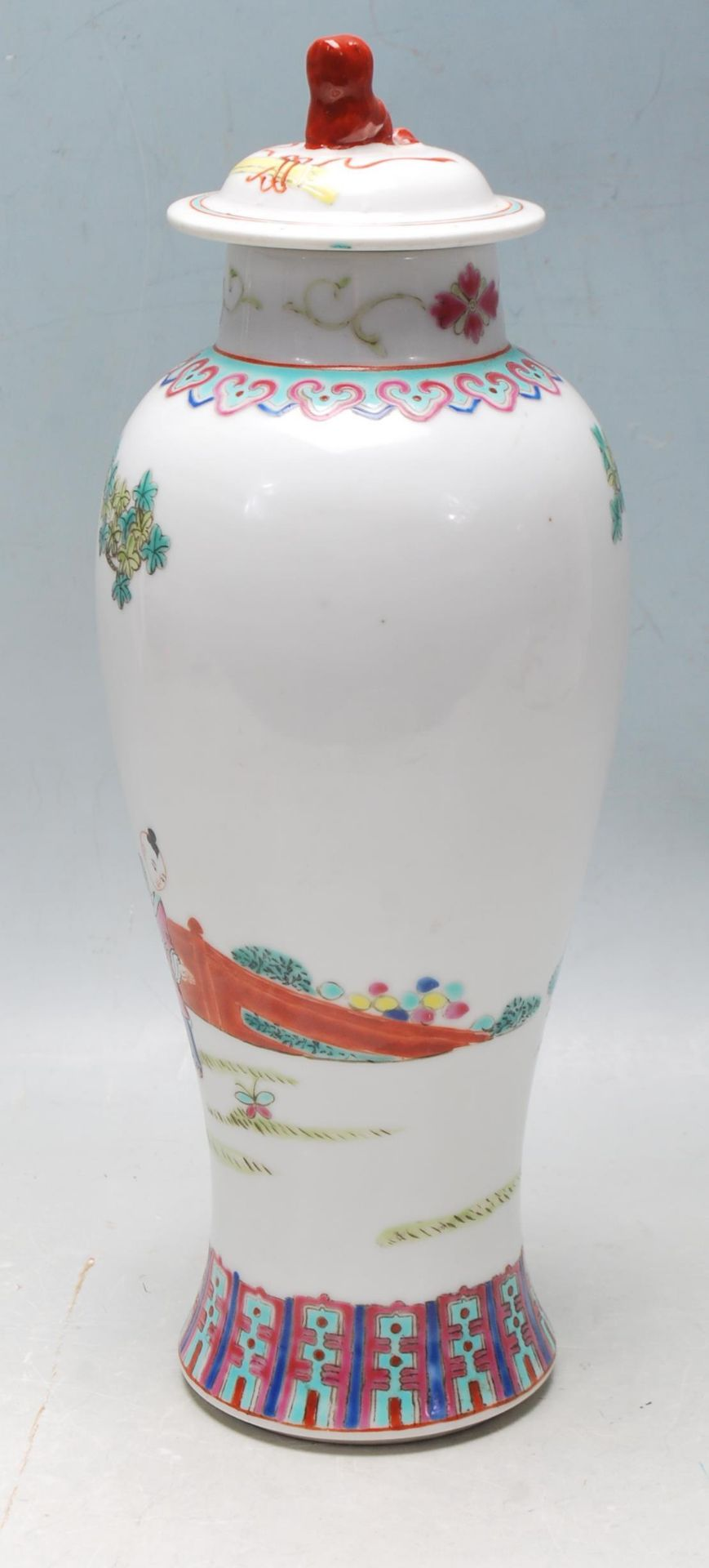 MID 20TH CENTURY FAMILLE ROSE MEIPING VASE - Image 4 of 8