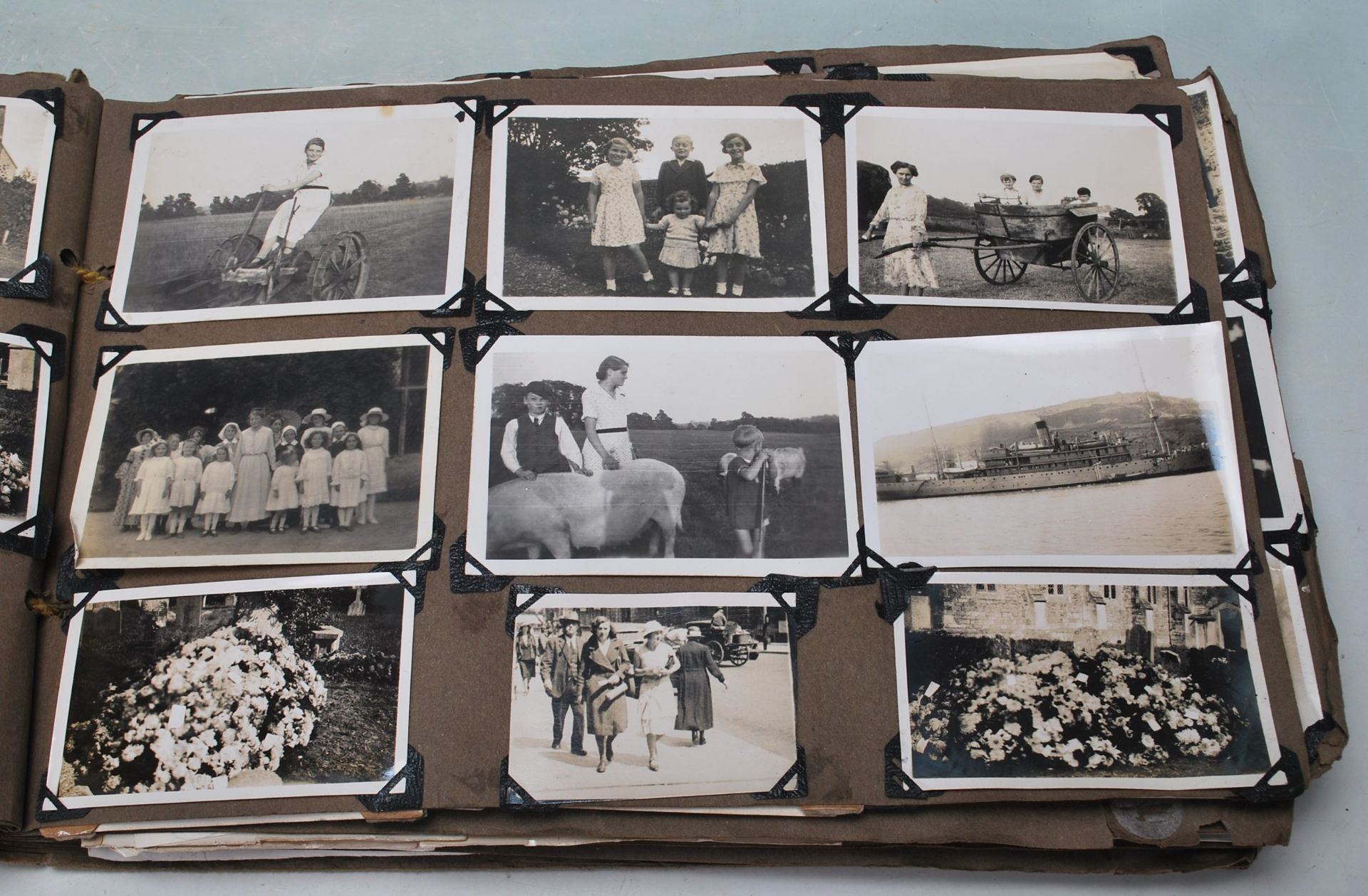 EARLY 20TH CENTURY BLACK AND WHITE PHOTO ALBUM - Image 6 of 14