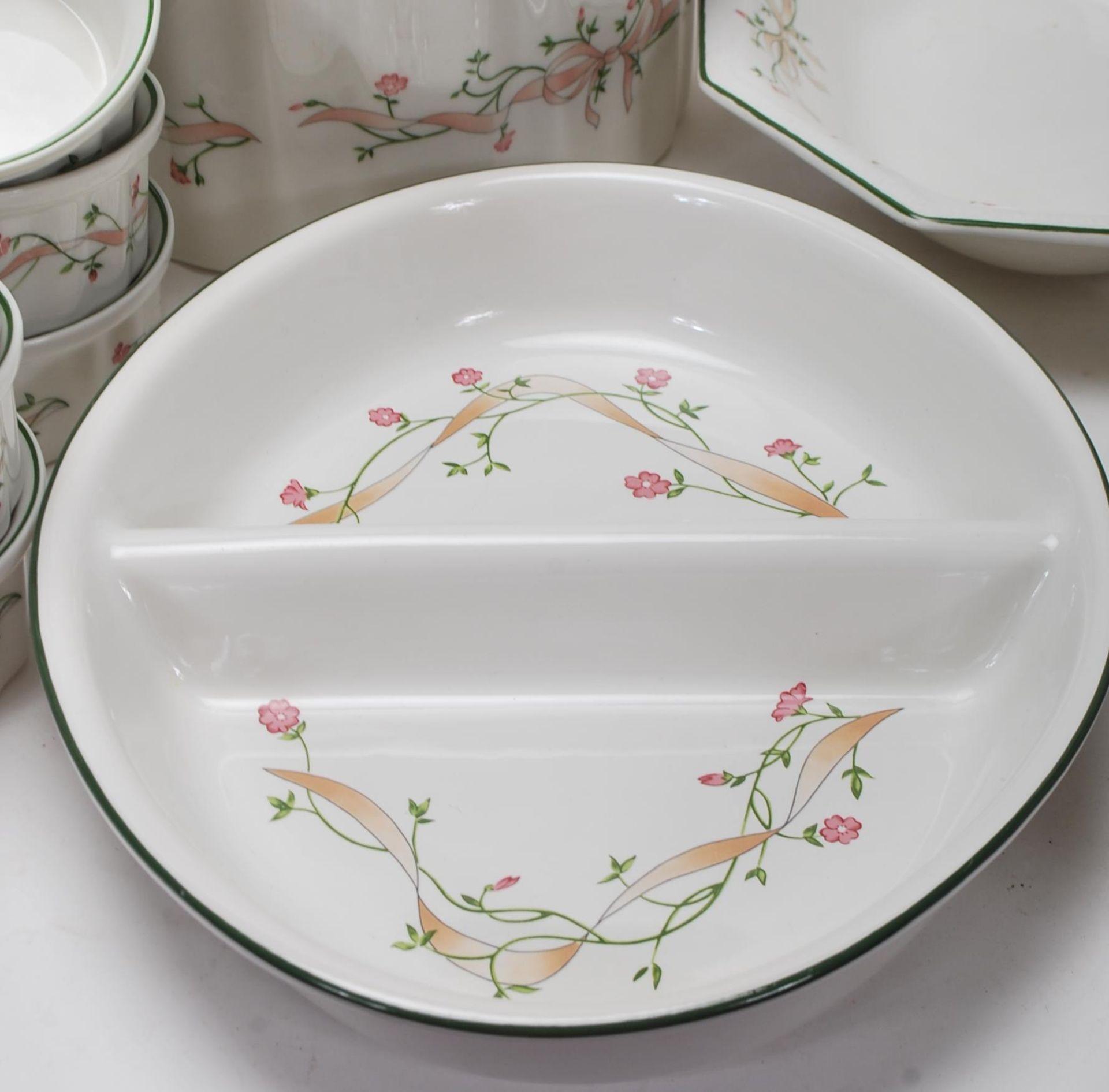 LAARGE DINNER SERVICE BY JOHNSON BROS ETERNAL BEAU - Image 6 of 19