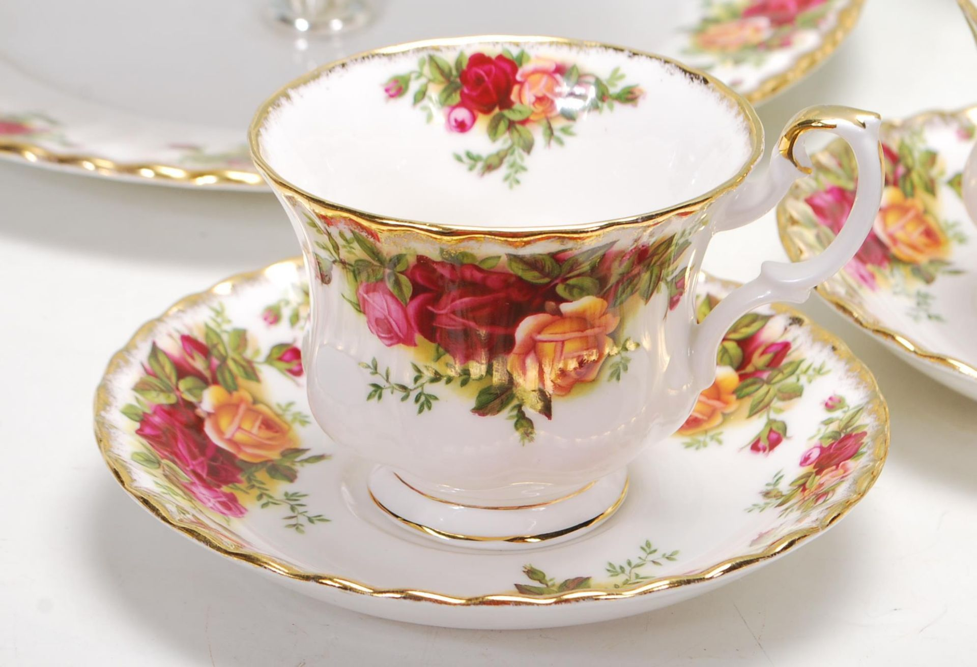 ROYAL ALBERT OLD COUNTRY ROSES TEA SET -TEA SERVICE - Image 2 of 8